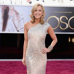 Lara Spencer en la alfombra roja de los Oscar 2013