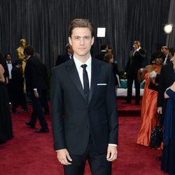 Aaron Tveit en la alfombra roja de los Oscars 2013