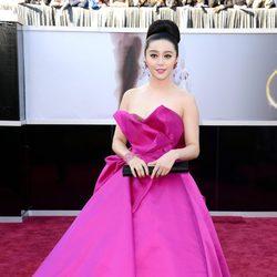 Fan Bingbing en la alfombra roja de los Oscar 2013