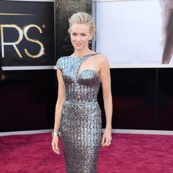 Naomi Watts en la alfombra roja de los Oscar 2013