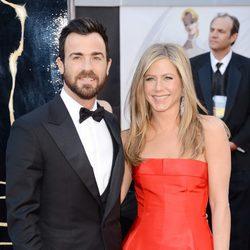 Jennifer Aniston y Justin Theroux en los Oscar 2013
