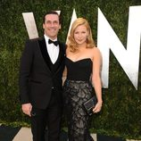 Jon Hamm y Jennifer Westfeldt en la fiesta post Oscar 2013 organizada por Vanity Fair