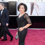 Shirley Bassey en la alfombra roja de los Oscar 2013