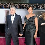 Robert De Niro y Grace Hightower en los Oscar 2013