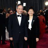 Ang Lee y Jane Lin en los Oscar 2013