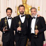 El equipo de 'Argo' con sus estatuillas en los Oscar 2013