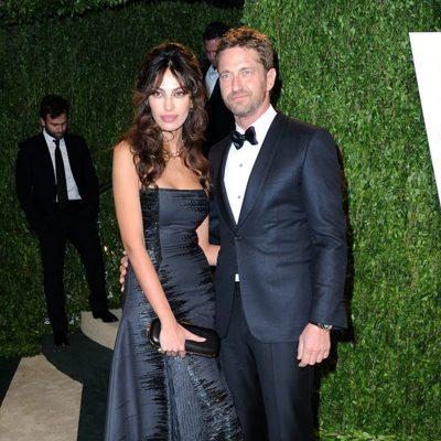 Gerard Butler y Madalina Ghenea en la fiesta post Oscar 2013 organizada por Vanity Fair