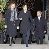 Natalia Figueroa y Toni Acosta en el funeral de María Gamboa Moreno