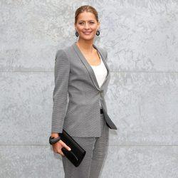 Tatiana Blatnik en el front row de Armani en la Semana de la Moda de Milán