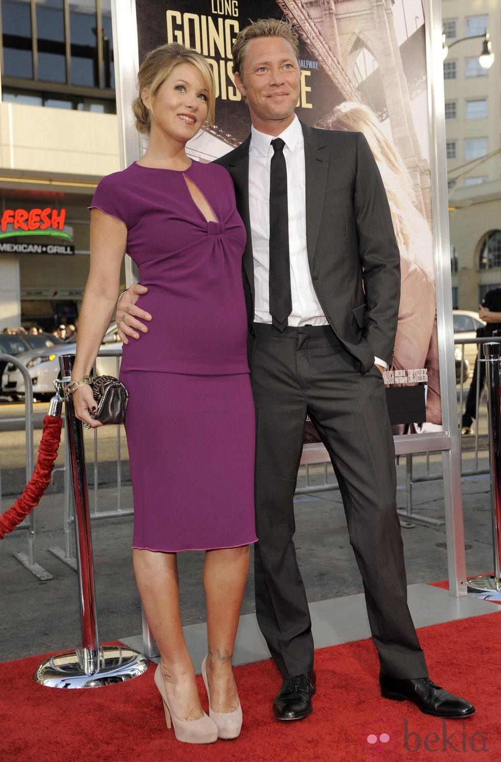Christina Applegate y Martyn LeNoble