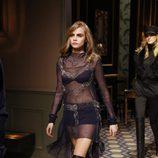 Cara Delevingne desfila para H&M en la Semana de la Moda de París otoño/invierno 2013/2014