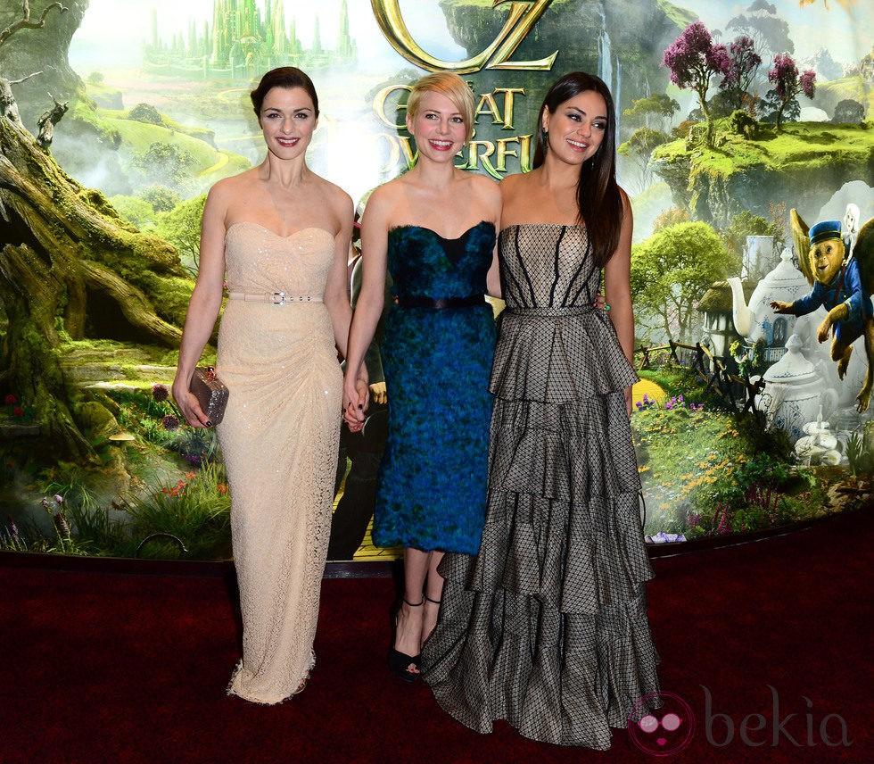 Rachel Weisz, Michelle Williams y Mila Kunis en el estreno de 'Oz, un mundo de fantasía' en Londres