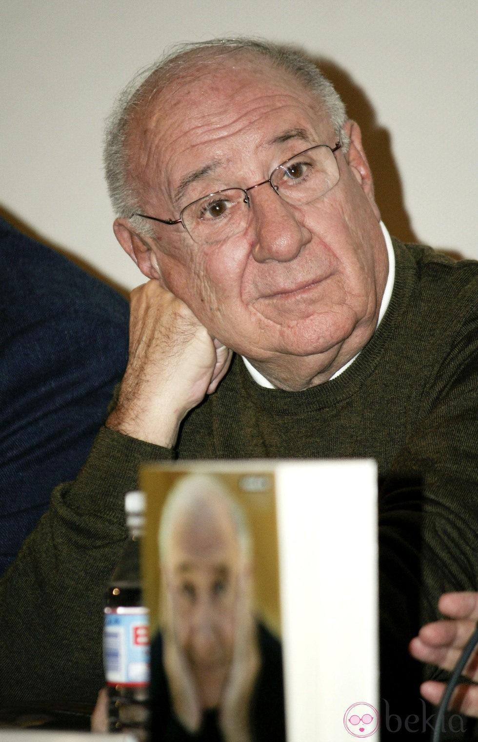Alfredo Landa presentando su libro