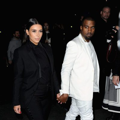 Kim Kardashian y Kanye West en el desfile de Givenchy otoño/invierno 2013/2014 en la Semana de la Moda de París