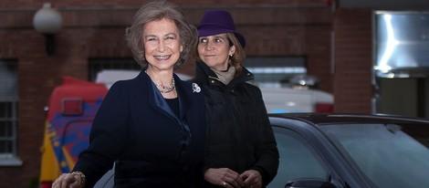 La Reina Sofía y la Infanta Elena visitan al Rey en la Clínica La Milagrosa