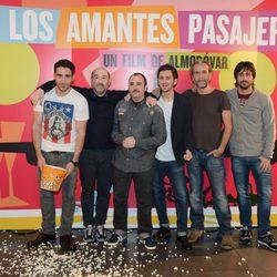 Miguel Ángel Silvestre, Javier Cámara, Carlos Areces, Raúl Arévalo, Willy Toledo y Hugo Silva presentan 'Los amantes pasajeros'