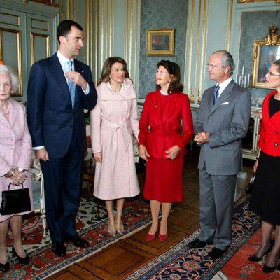 Lilian de Suecia con los Príncipes Felipe y Letizia, los Reyes Carlos Gustavo y Silvia y la Princesa Victoria