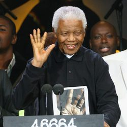 Nelson Mandela en un homenaje