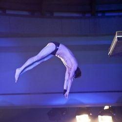 Jesulín de Ubrique saltando desde los 7,5 metros en 'Splash!, Famosos al agua'