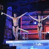 Álvaro Muñoz Escassi y Sonia Ferrer preparándose para saltar en '¡Mira quién salta!'