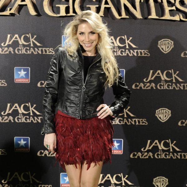 Roser en el estreno de 39 jack el caza gigantes 39 famosos for Cama gigantes