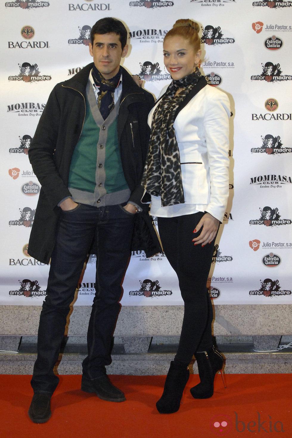 Beatriz Trapote y Víctor Janeiro en una fiesta tras el estreno de '¡Mira quién salta!'