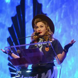 Madonna en la 24 edición anual de los GLAAD Media Awards