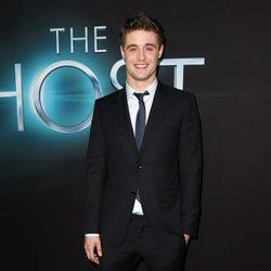 Max Irons en el estreno de 'The Host' ('La Huésped') en Los Angeles