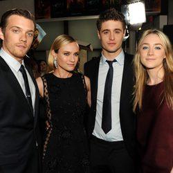 Jake Abel, Diane Kruger, Max Irons y Saoirse Ronan en el estreno de 'The Host' ('La Huésped') en Los Angeles