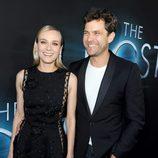 Diane Kruger y Joshua Jackson en el estreno de 'The Host' ('La Huésped') en Los Angeles