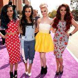 Las cantantes de Little Mix en la alfombra roja de la 26 edición de los premios Nickelodeon