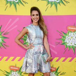 Jessica Alba en la alfombra roja de la 26 edición de los premios Nickelodeon