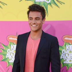 Tom Daley en la alfombra roja de la 26 edición de los premios Nickelodeon