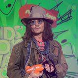 Johnny Depp recoge el premio de los Nickelodeon's Kids' Choice Awards 2013