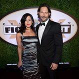 Joe Manganiello y Bridget Peters en la Celebrity Fight Night 2013