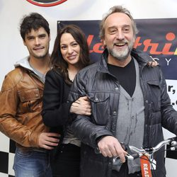 Natalia Verbeke presenta su tienda de bicis con Gonzalo de Castro y Miguel Abellán