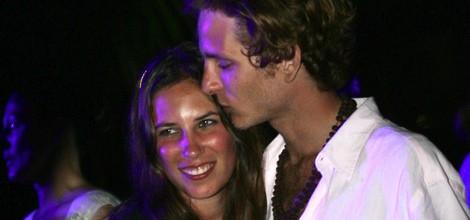 Andrea Casiraghi besa cariñosamente a Tatiana Santo Domingo