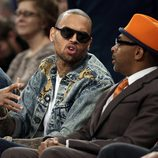 Chris Brown y Spike Lee se divierten viendo un partido de la NBA