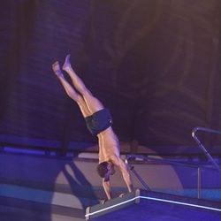 Darek preparándose para saltar en 'Splash!, Famosos al agua'