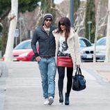 Pilar Rubio y Sergio Ramos paseando por Madrid