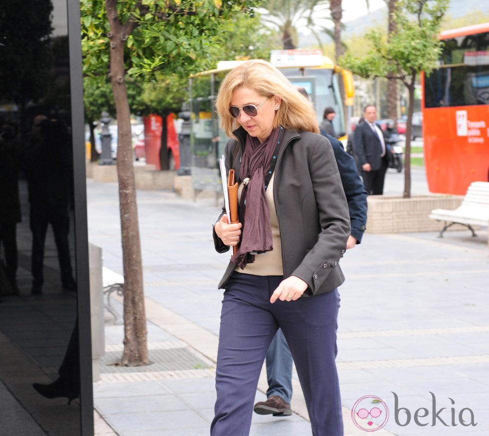 La Infanta Cristina acude al trabajo tras recurrirse su imputación