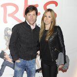 José Antonio Canales Rivera y su mujer en el estreno de 'Tres'