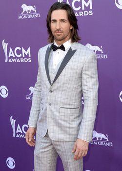 Jake Owen en la alfombra roja de los Premios de Música Country 2013