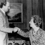 Margaret Thatcher junto al rey Juan Carlos I