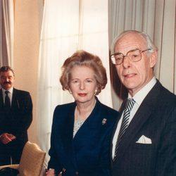 Margaret Thatcher con su marido Denis Thatcher