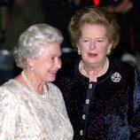 Margaret Thatcher y la reina Isabel II