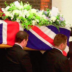 Margaret Thatcher en el funeral de su marido Denis en 2003