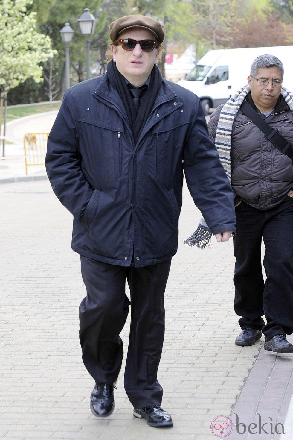 Javier Gurruchaga en el entierro de Sara Montiel en Madrid