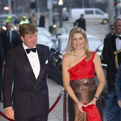 Guillermo y Máxima de Holanda en el Jubileo del Royal Concert Building