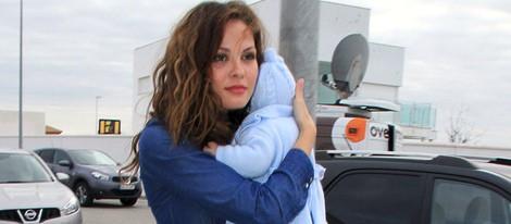 Jessica Bueno reaparece con su hijo tras su ruptura con Kiko Rivera